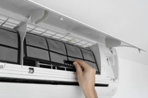 How does an Inverter reversible air conditioner work