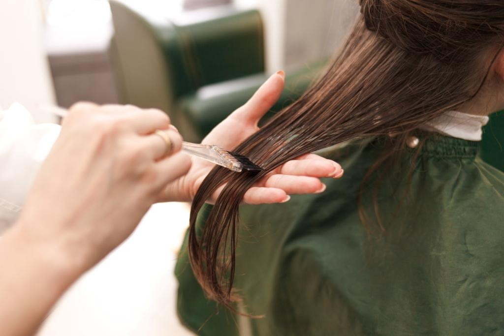 How to Use Hair Straightening Cream