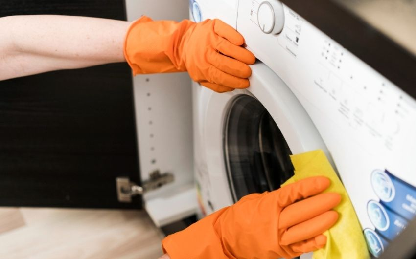 How to Clean the Washing Machine